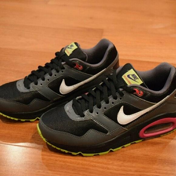 best value eaa40 56e83 Nike Air Max Navigate Sneakers. M 5a5f8df7077b979119412a5e